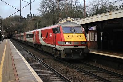 82213/91130 pass Welwyn North 1403/1Y84 York to Kings Cross   21/12/20