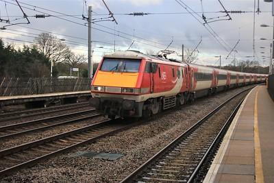 91130/82213 pass Welham Green 1415/1D17 Kings Cross to Leeds  23/12/20