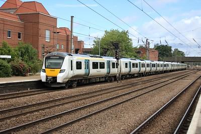 700060 0933/2C12 Kings Cross to Cambridge