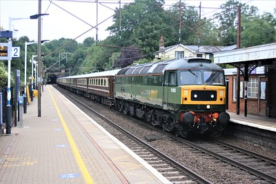 D1935 (47805) 'Roger Hoskings MA 1929-2013' passes Welwyn North 0704/1Z37 Peterborough to Paignton