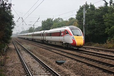 800107 passes Welham Green at 1215/1A22 Leeds to Kings Cross