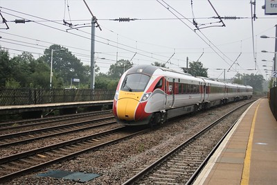 800208 passing Welham Green at 1217/1B84 Kings Cross to Lincoln