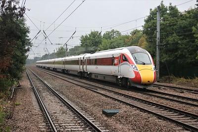 801214 passes Welham Green at 1132/1E05 Edinburgh to Kings Cross