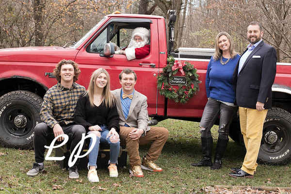 Vance Dougherty Santa 2020 (1 of 29)