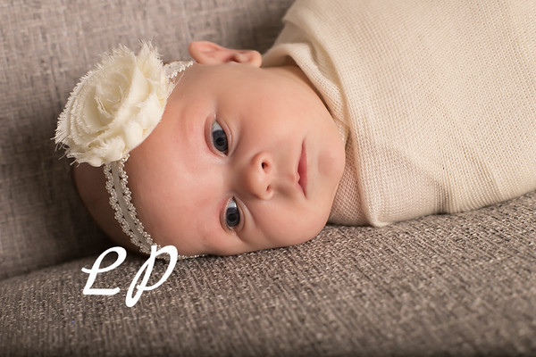 Aveyah Newborn (11)