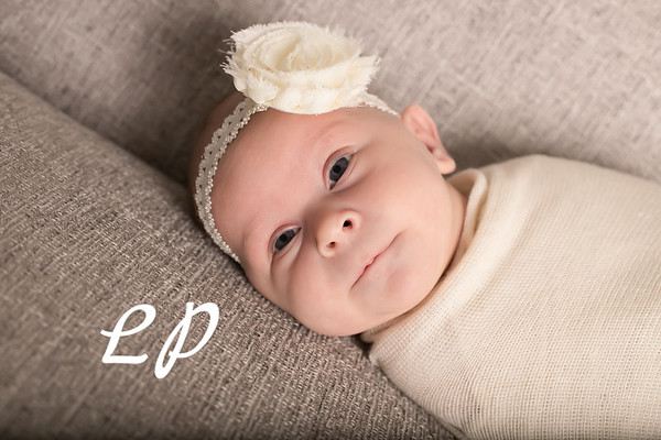 Aveyah Newborn (12)