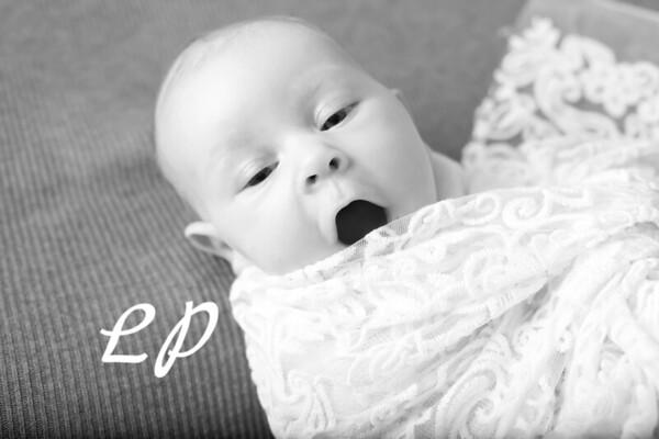 Aveyah Newborn (1)