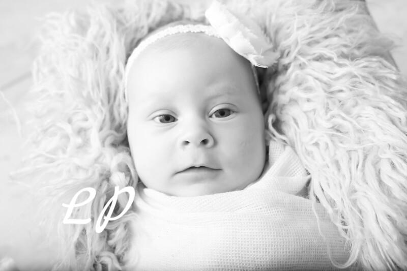 Aveyah Newborn (7)