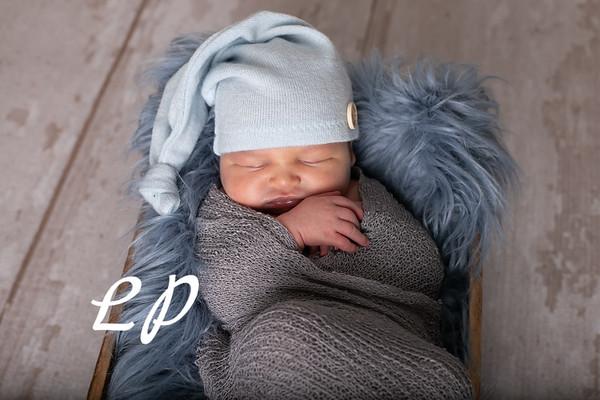 Noah Newborn-09
