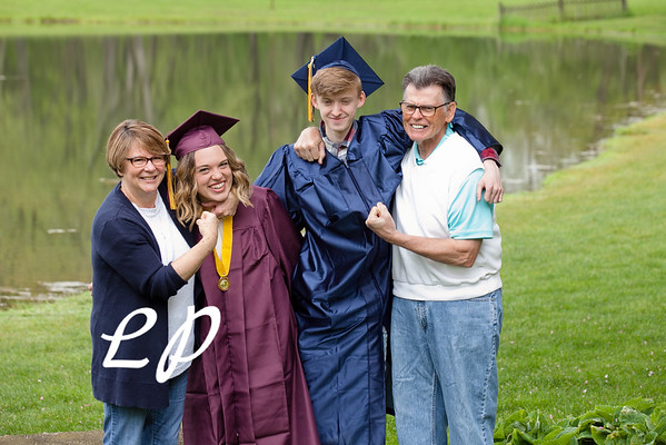 Sydnie and Jake Cap and Gown (2)