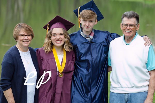 Sydnie and Jake Cap and Gown (1)