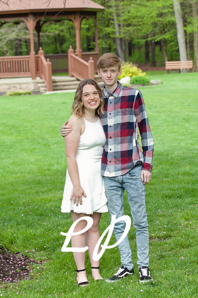 Sydnie and Jake Cap and Gown (6)