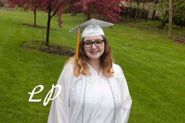Emma Cap and Gown (11 of 11)