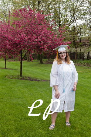 Emma Cap and Gown (9 of 11)