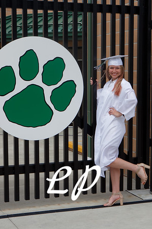 Kiara and Friends Cap and Gown (7)