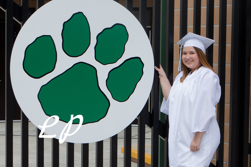 Kiara and Friends Cap and Gown (14)