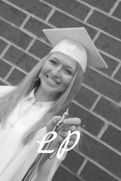 Kiara and Friends Cap and Gown (4)