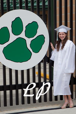 Kiara and Friends Cap and Gown (9)