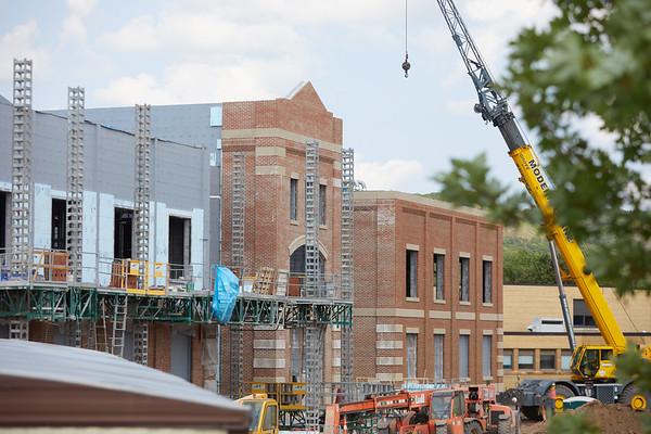 2021 UWL Field House Construction 0193