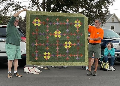 John showing us Urban Amish, a pattern from American Patchwork and Quilting.