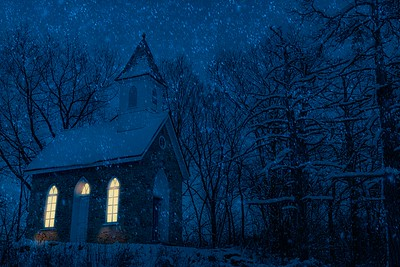 DA061,DA,Chapel in snowstorm
