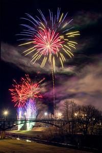 DA022,DA,Wintertime fireworks