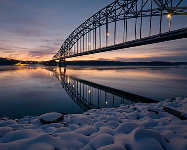 DA123,DT,Sunrise and Snow-Julien Dubuque (IA) Bridge