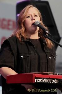 Jill Hoff - Mayfield - Wildhorse Saloon 7-21 010