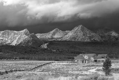 DA054,DB,Storm_Approaching_Ranch