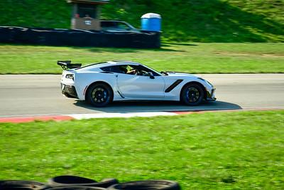 2021 SCCA Pitt Race TNIA Aug Adv Lt Gray Vette