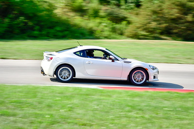 2021 SCCA Pitt Race TNIA Aug Adv Wht Twin