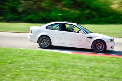 2021 SCCA Pitt Race TNIA Aug Inter Wht BMW