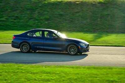 2021 SCCA Pitt Race TNIA Aug Novice Dk Blu BMW