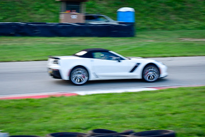 2021 SCCA Pitt Race TNIA Aug Novice Wht Vette Convt