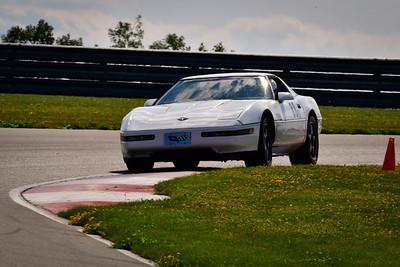 2021 SCCA TNiA Pitt Race Int White Vette 88