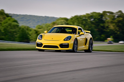 2021 SCCA TNiA Pitt Race Int Yellow GT4