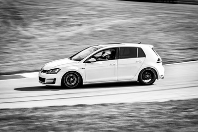 2021 SCCA TNiA Pitt Race Nov Dk White GTi
