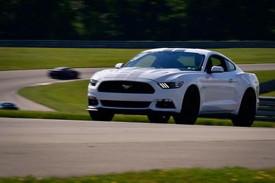 2021 SCCA TNiA Pitt Race Nov Dk White Mustang Slv Stripes