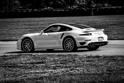 2021 SCCA TNiA Pitt Race Nov Dk White Porsche