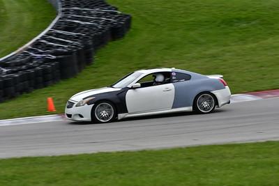 2021 SCCA TNiA Pitt Race Nov Wht Infinity