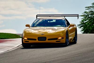 2021 SCCA Pitt Race Adv Yellow Vette Wing