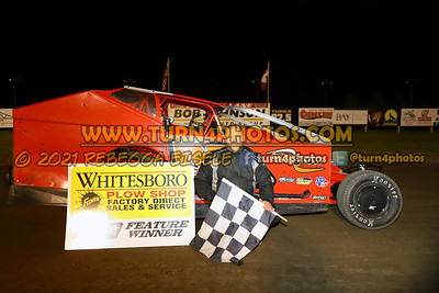 Victory lane can am May 28-001