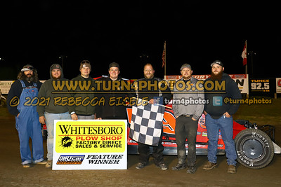 Victory lane can am May 28-002