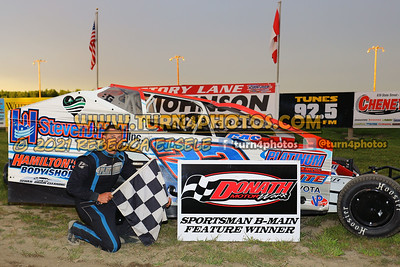 Victory lane can am May 28-016