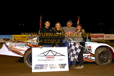 Victory lane can am May 28-004