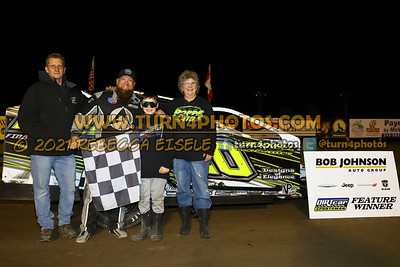 Victory lane can am May 28-011