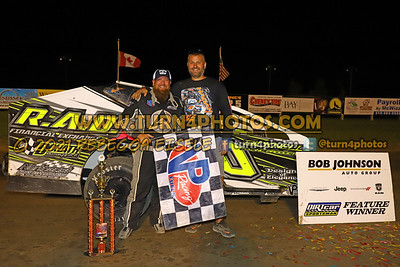Victory lane Can AM 08-27-8