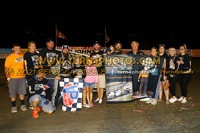 Victory lane Can AM 08-27-4