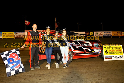 Victory lane Can AM 08-27-2