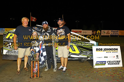 Victory lane Can AM 08-27-6